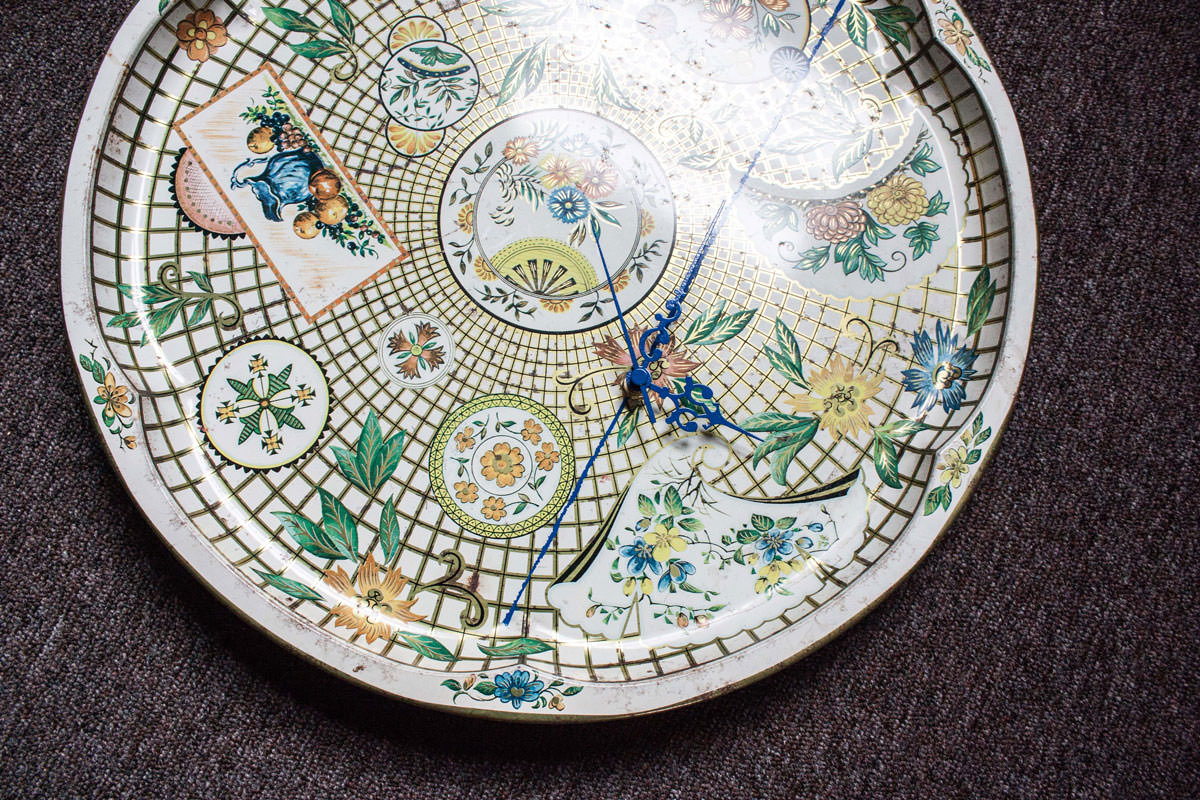 Antique Tray Floral Clock angle