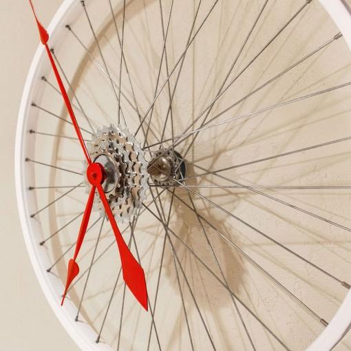 Repurposed White Bike Wheel Clock right mid