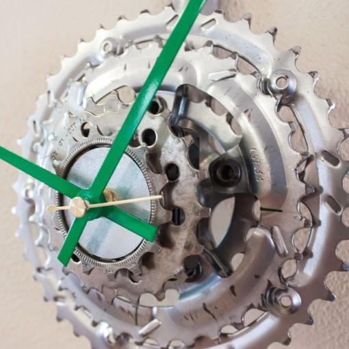 Repurposed Bike Crank & Sprocket Clock closeup