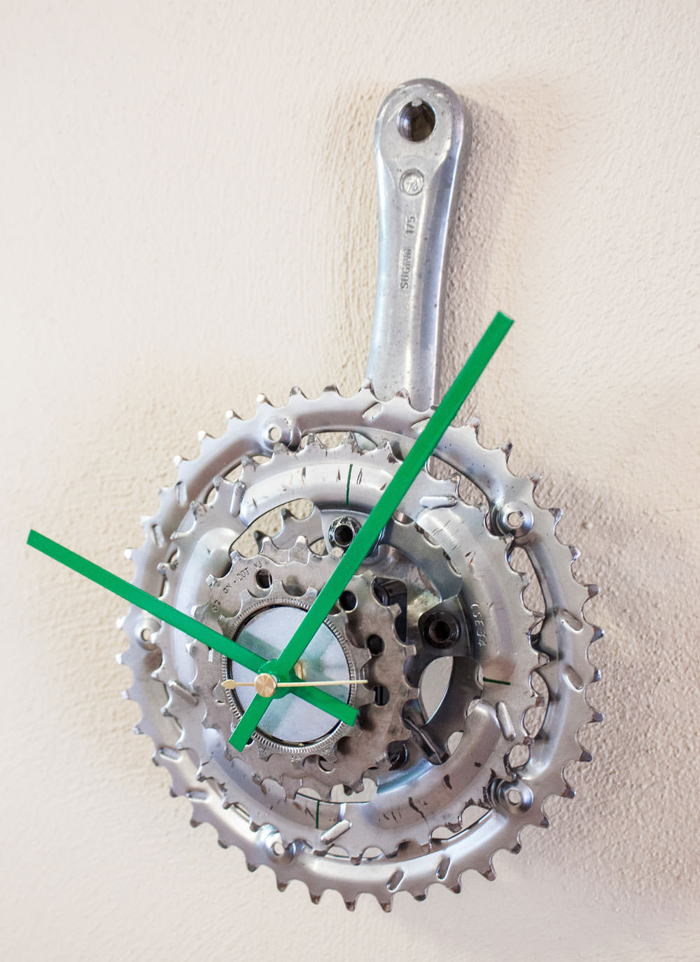 Repurposed Bike Crank & Sprocket Clock midright