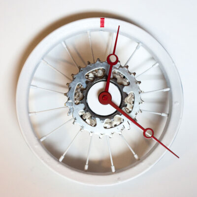 repurposed-childrens-bike-wheel-clock-white-red-main
