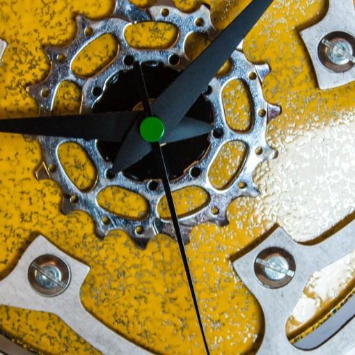 repurposed-rear-bike-sprocket-clock-green-yellow-zoom