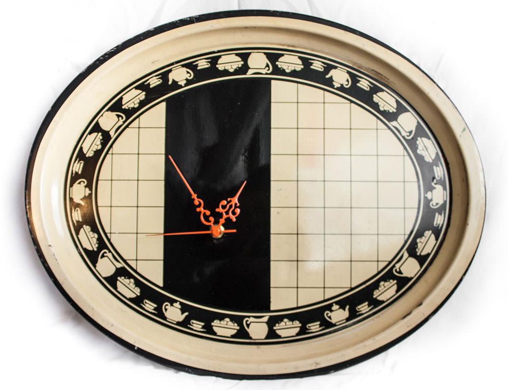vintage-enamel-tray-clock-black-beige-tea-main