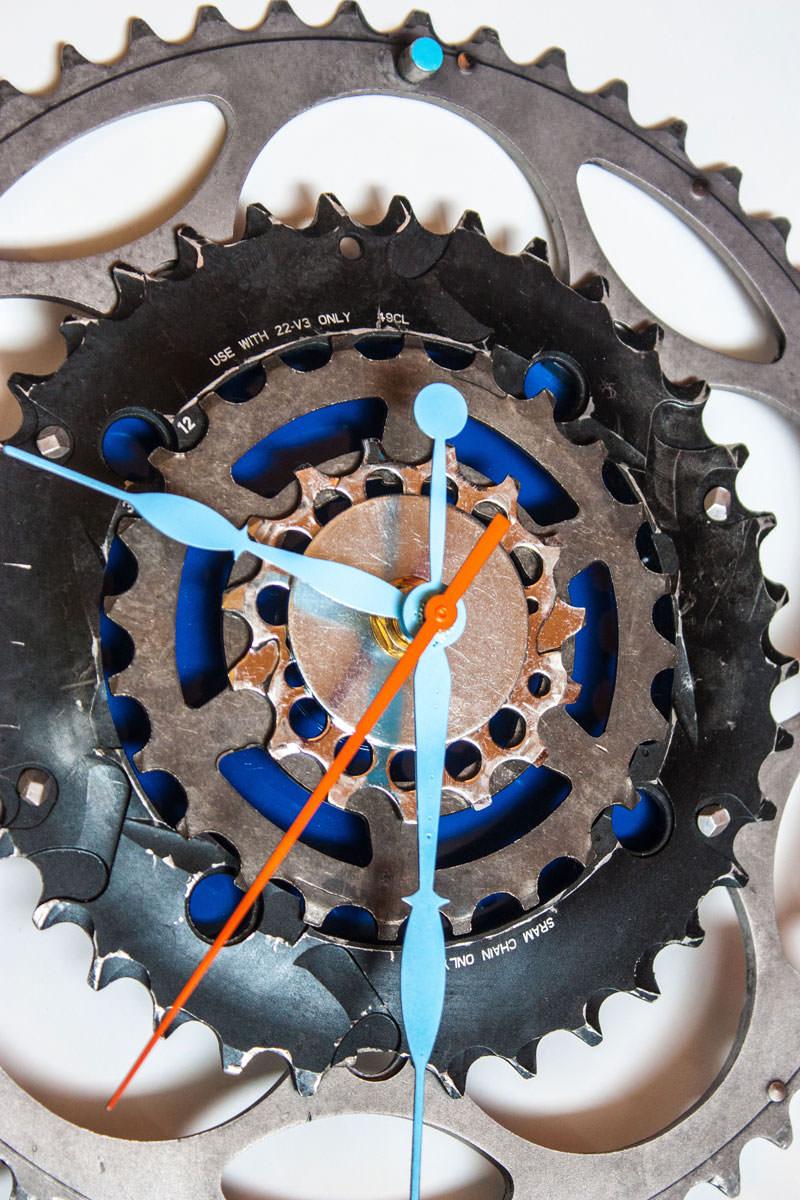 Repurposed-Large-Rear-Bike-Sprocket-Clock-Blue-Orange-zoom