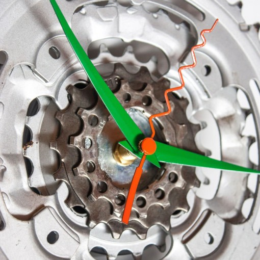 Repurposed-Pedal-&-Rear-Bike-Sprocket-Clock-Green-Orange-zoom