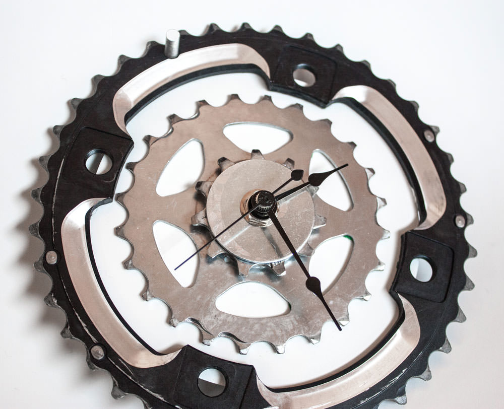 Repurposed-Rear-Bike-Sprocket-Clock-Black-White-angle