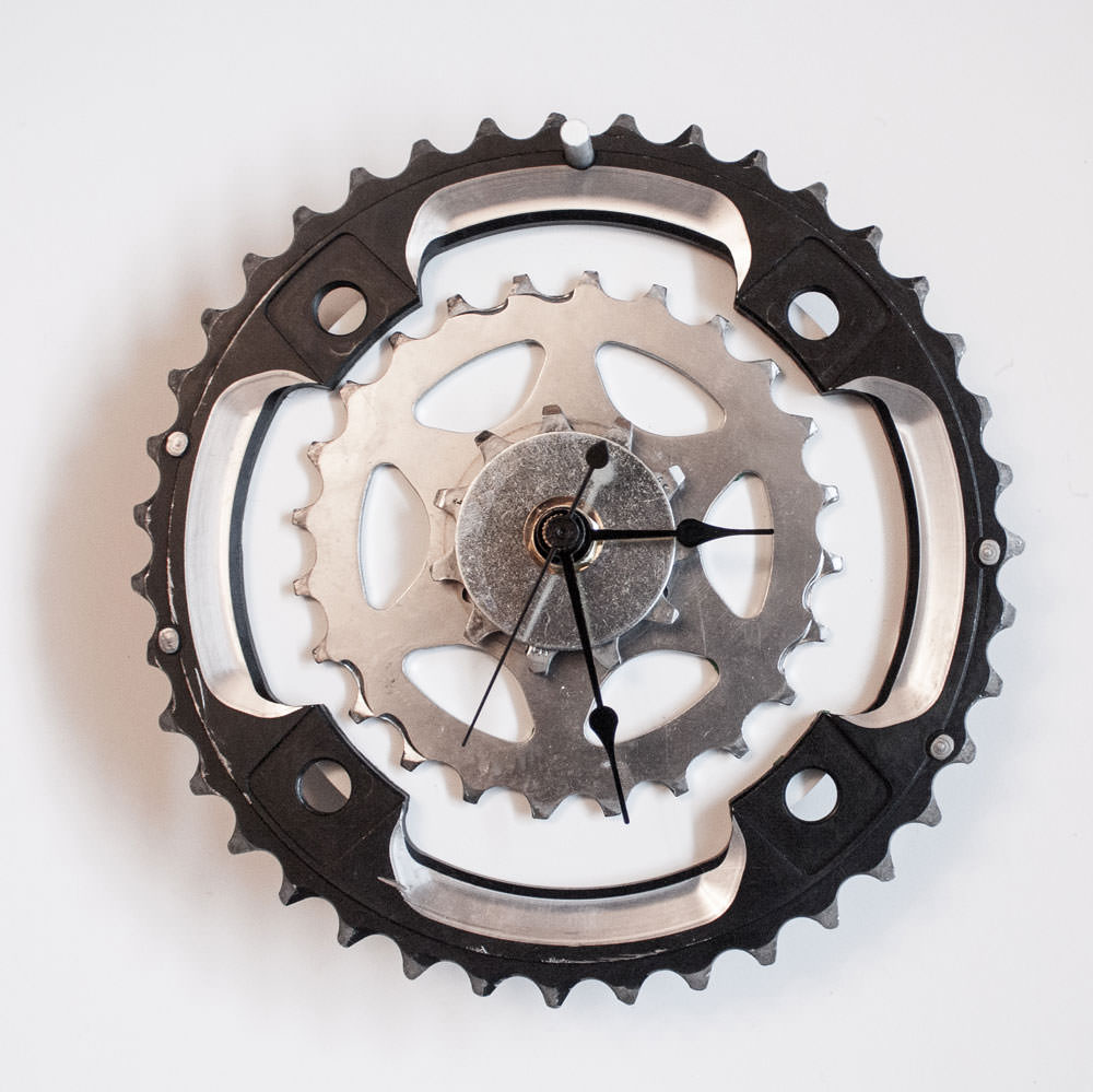 Repurposed-Rear-Bike-Sprocket-Clock-Black-White