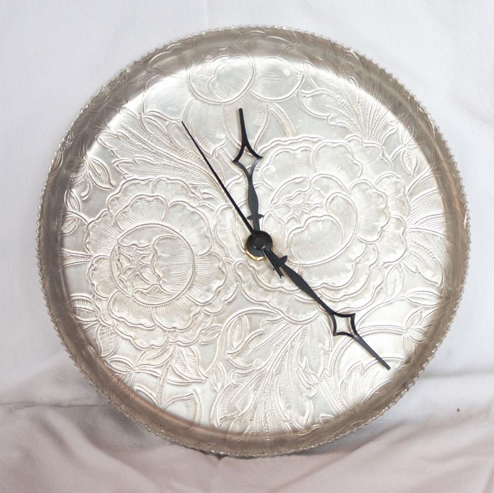 Vintage-Aluminum-Tray-Silver-Floral