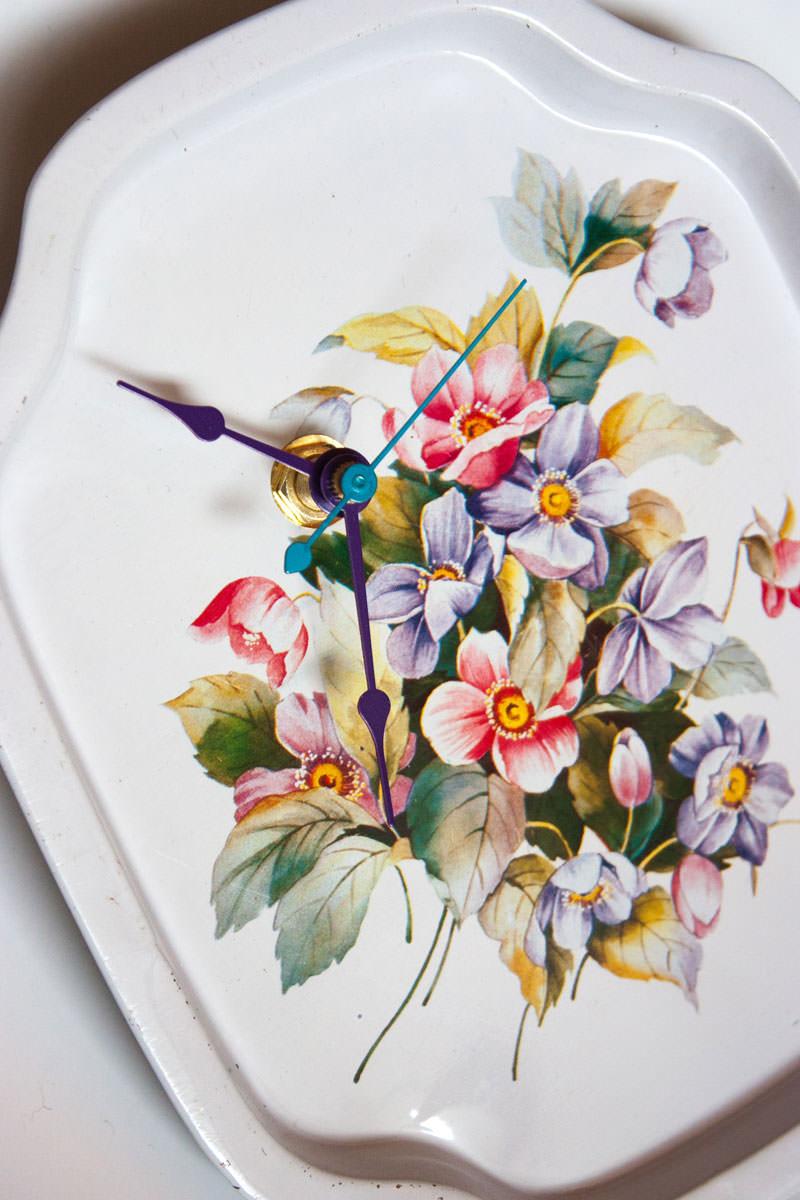 Vintage-Enamel-Tray-White-Floral-angle
