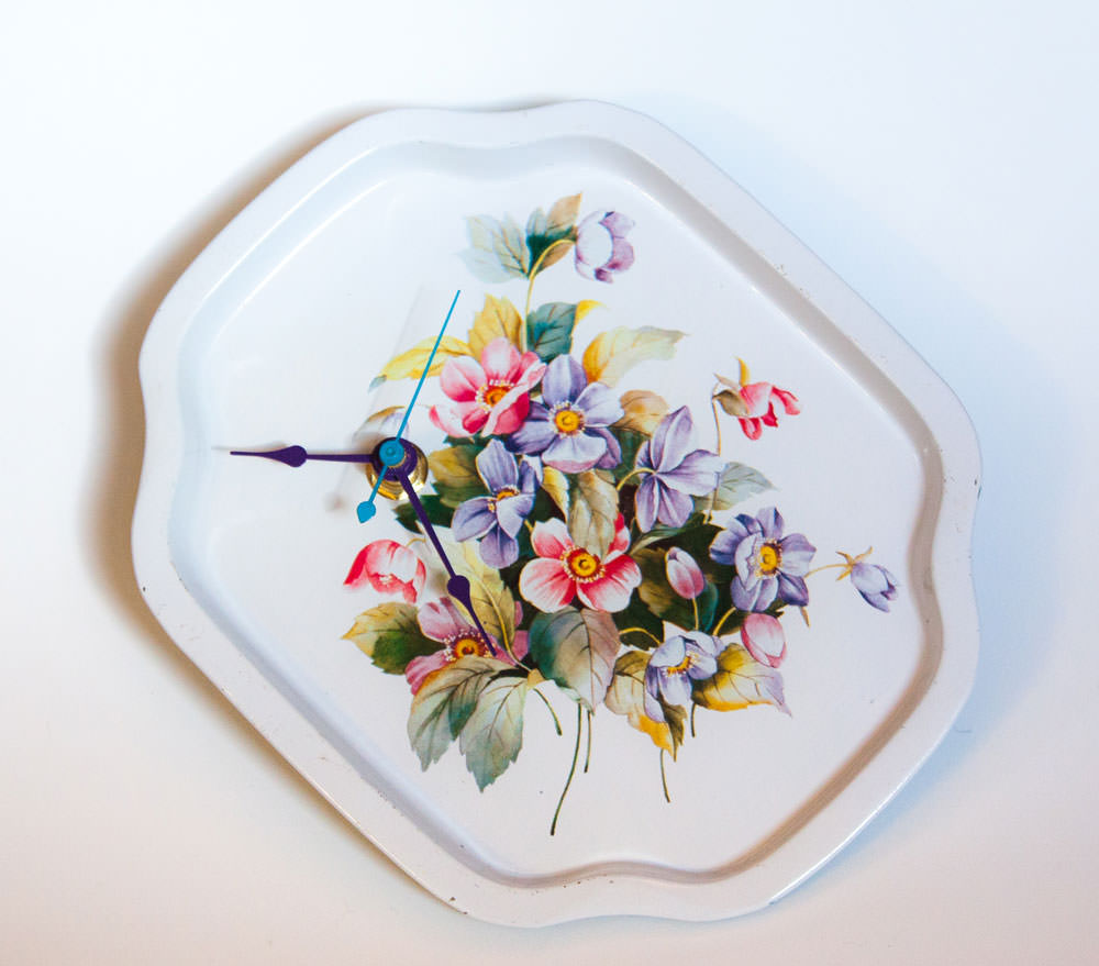 Vintage-Enamel-Tray-White-Floral-main